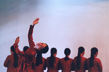 Rehearsal of the Ea Sola Dance Compagnie at Ho Chi Minh City (1997) | © BSB/ STERN Photo Archive/ Harald Schmitt