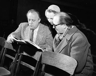 "Karl Amadeus Hartmann, Gabrielle Dumaine and Olivier Messiaen [from left to right] at the 4th concert within the framework of the concert series ""musica viva"" on 31 January 1952 