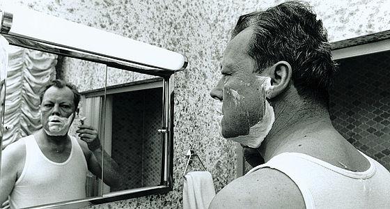 Willy Brandt beim Rasieren (1969) | © BSB/STERN-Fotoarchiv/Jay Ullal