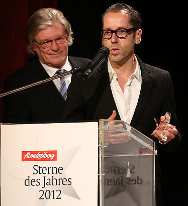 [From the left] Dr. Rolf Griebel, [2012] Director General of the Bayerische Staatsbibliothek, and Roger Diederen, Director of the Kunsthalle of the Hypo Culture Foundation, at the award ceremony of the AZ Star | © Bernd Wackerbauer