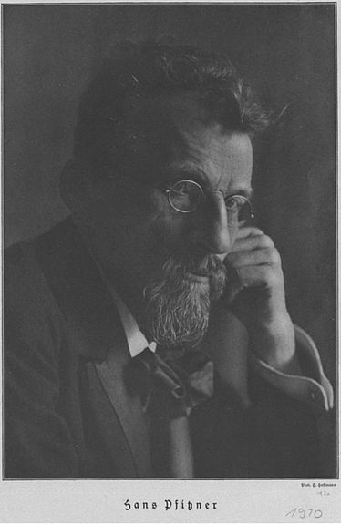 Hans Pfitzner on a photograph, 1919/ 1920 | © BSB/ Image Archive
