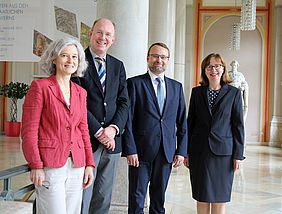 [From left to right:] Dr. Gudrun Wirtz (Head of the Department of Eastern Europe), Dr. Klaus Ceynowa (Director General), Dr. Mindaugas Kvietkauskas (Minister of Culture of Lithuania), Dorothea Sommer (Deputy Director General) | © BSB/ S. Gottstein