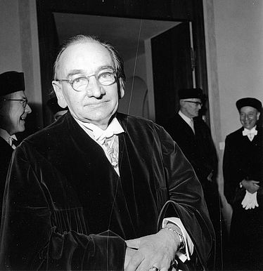 Rudolf Pfeiffer (1889 – 1979) at the annual meeting of the Bavarian Academy of Sciences at the Munich Residence on 3 December 1960 | © BSB/ Image archive