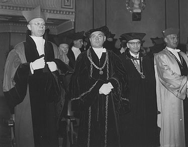 [Second from the left] Hermann Bengtson (historian 1909 – 1989) | © BSB/ Image archive