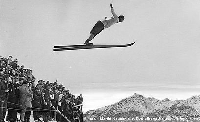 The ski jumper Martin Neuner (1900 – 1944) at the Kochelberg ski jump in Partenkirchen | © BSB/ Image archive