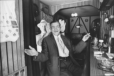 At the Alte Thielbeck-Klause in Hamburg (1977) | © BSB/ STERN Photo Archive/ Mihály Moldvay