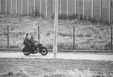 Sector border in Berlin (1971) | © BSB/ STERN Photo Archive/ Mihály Moldvay