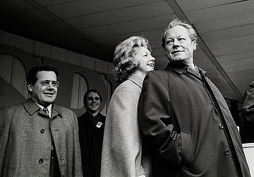 Willy Brandt, his wife Rut and Günter Guillaume (1972) | © BSB/ STERN Photo Archive/ Jürgen Gebhardt