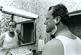 Willy Brandt shaving (1969) | © BSB/STERN Photo Archive/Jay Ullal