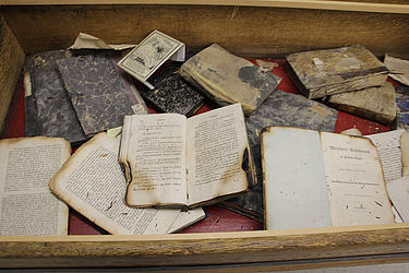 Book damages from the 2nd World War | © BSB